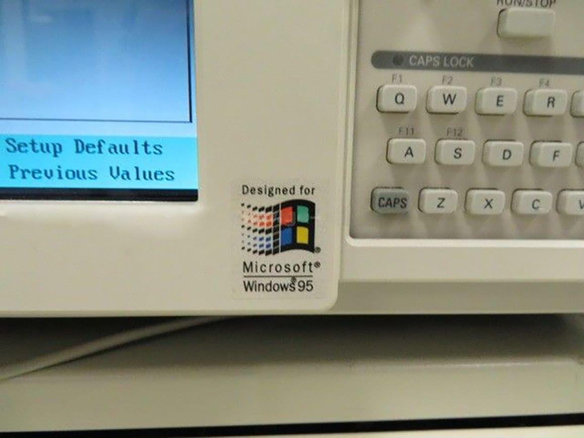 Buy Tektronix TLA 704 Logic Analyzer Color Portable Mainframe Online