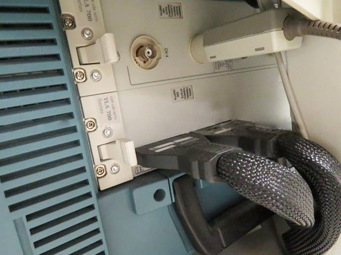 Buy Online Tektronix TLA 704 Logic Analyzer Color Portable Mainframe
