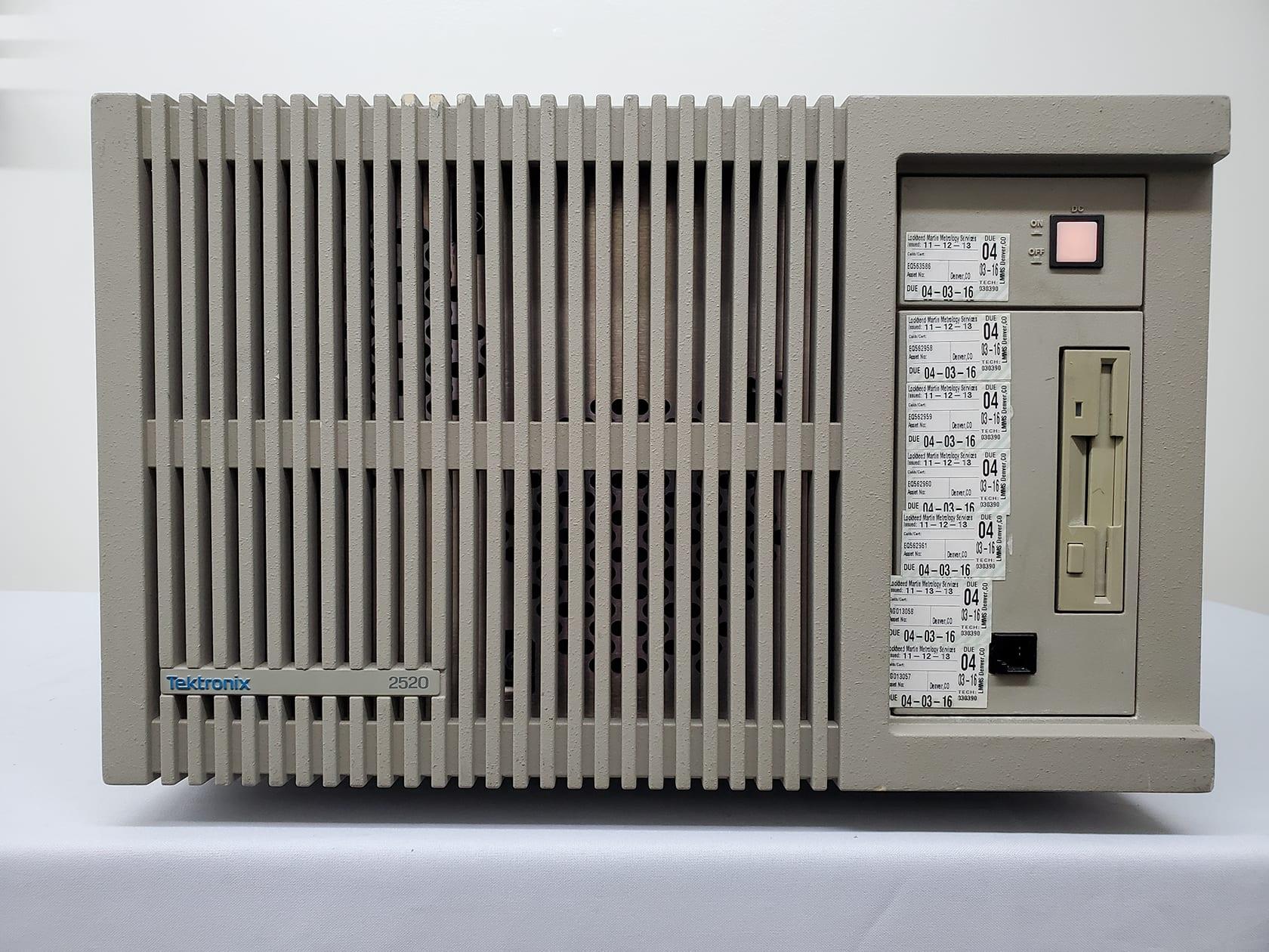 Tektronix 2520 6 Slot Mainframe Test Lab Multi-Channel Wave Analyzer -59990 For Sale