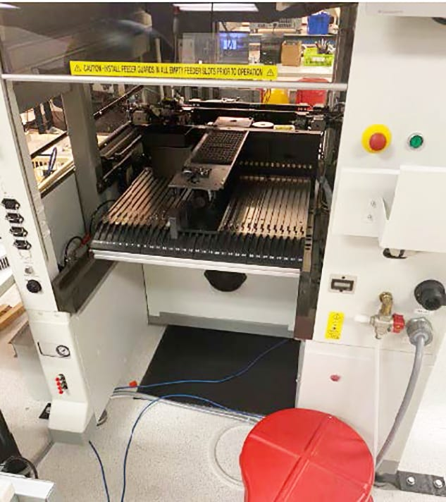 Universal Instruments Pick and Place Machine 60011 For Sale